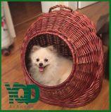 Chambre ronde chaude d'animal familier avec la porte, bonne pour l'hiver, nid d'animal familier, maison d'animal familier, chenil