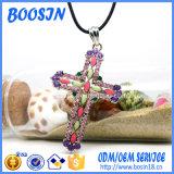 宗教昇進のためのカスタムブランドのラインストーンの十字の吊り下げ式のネックレス