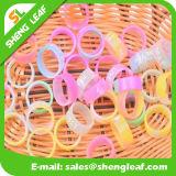多彩なシリコーン指リング(SLF-SR021)を広告する個人化された方法