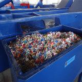 Botellas del animal doméstico que reciclan lavarse y la línea de sequía
