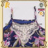 Способ женщин одевает комбинезон или Romper сплетенные повелительницами