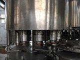 O PLC controla máquina de engarrafamento mineral/pura da água