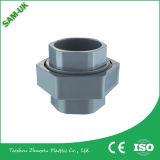 Conetor plástico da tubulação do PVC dos fabricantes do soquete da linha fêmea do PVC da tubulação e dos encaixes do PVC