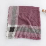 Überprüfter gedruckter dickflüssige Frauen-Form-langer Silk Schal (YKY1122)