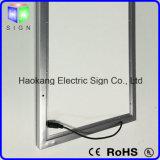 Heller Kasten-Zeichen für das Bekanntmachen der Bildschirmanzeige mit Aluminiumbilderrahmen