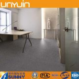 Azulejo cómodo y resistente del vinilo de la alfombra