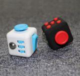 De goedkope Bezorgdheid Fretfidget van de Spanning van de Hand Plastic Anti dobbelt friemelt Kubus