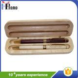 Casella di legno della penna con due penne