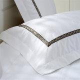 Lecho modificado para requisitos particulares del algodón del cepillo del descuento abajo para el apartamento del hotel