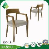 販売(ZSC-18)のための専門のカスタム食堂の椅子の木の肘掛け椅子