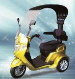 "Motocicleta elétrica do triciclo do ""trotinette"" elétrico verde"