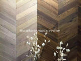 Zurückgeforderter Eichechevron-Parkett-festes Holz-Bodenbelag
