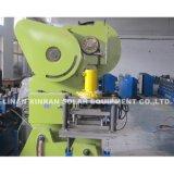 Dando forma ao rolo solar do suporte da máquina que dá forma à máquina