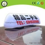 Taxi LED superior que hace publicidad del rectángulo ligero