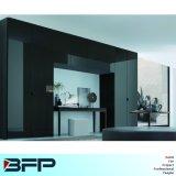 Form-modernes Glas widergespiegelte Garderobe