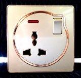 Zoccolo universale elettrico di standard britannico con l'interruttore per controllo di illuminazione