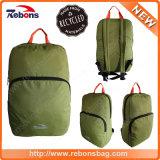 Зеленый свет складывая Water-Repellent Hiking Backpacks мешка сделанные от рециркулированных бутылок пластмассы любимчика