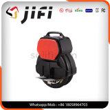 L'Individu-Équilibrage solo roulent dedans le scooter électrique