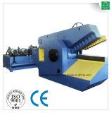 Machine de découpage pour le plastique de mitraille