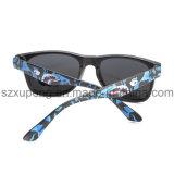 O estilo o mais novo super refrigera cinco óculos de sol das crianças do teste padrão de estrela