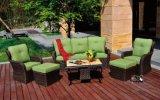 Jogo secional de vime ao ar livre da mobília do jardim do sofá
