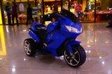 Conduite de moto de batterie de bébé sur le vélo électrique