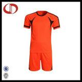 最もよい販売の安い人のフットボールのサッカーのジャージーのユニフォーム