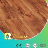 Plancher en stratifié bordé en chêne gaufré HDF AC3 de 8,3 mm