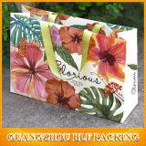 Papel elegante bolsa de regalo con las flores