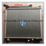 Qualité Aluminum Core Plastic Tank Car Radiator pour Grand Vitara à