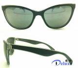 Nuevas gafas de sol plásticas de la manera de las mujeres con insignia de encargo