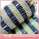 Rolo de cristal da decoração à colagem no vestuário ou nas bolsas