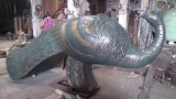 De pauw, het OpenluchtBeeldhouwwerk van het Brons van het Ornament van de Tuin Decoratieve