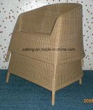 Insieme di caffè impermeabile esterno della mobilia del giardino del piccolo rattan rotondo con la presidenza accatastabile (YT121)