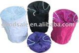 世帯の要素の黒いポップアップ網の洗濯袋の障害