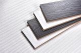 Résistance d'humidité à la déformation du plancher en stratifié