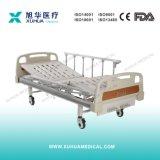 2つのクランクの折るアルミニウムガードレール(青いカラー)が付いている手動病院用ベッド