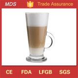 Taza de café de cristal vendedora caliente de Latte con la maneta y el platillo