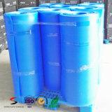 El plástico acanalado del material de construcción protege la hoja del suelo de la cubierta