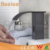 Capteur automatique infrarouge de robinet de salle de bains de robinet