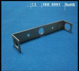 Alumínio do metal que carimba peças de automóvel