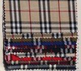 O fio tingiu-se verific o laço da tela de algodão