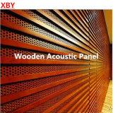 Panneau de mur en bois en bois de panneau de plafond de titre de mur de décoration d'écran antibruit