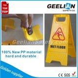 Het gele Plastic Hoge Waarschuwingssein van het Zicht