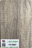 Superficie retra en la madera contrachapada 18m m
