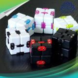 Кубик непоседы сброса усилия 6 цветов твердый волшебный