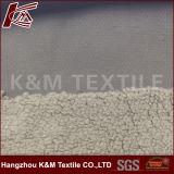 Sherpaの羊毛ファブリック100%年のポリエステル30dゆがみ2の側面はShuのベルベティーンと区切た