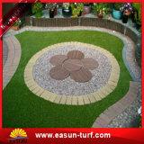 뗏장을 정원사 노릇을 하는 인공적인 잔디 정원 잔디 홈 잔디 잔디밭