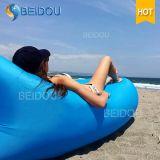 普及した不精な浜の位置袋の膨脹可能な空気寝袋Laybag
