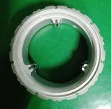 Poste de aluminio con los orificios del tornillo